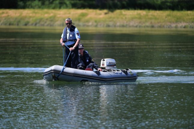 Search for four-year-old German girl missing after boat accident in France