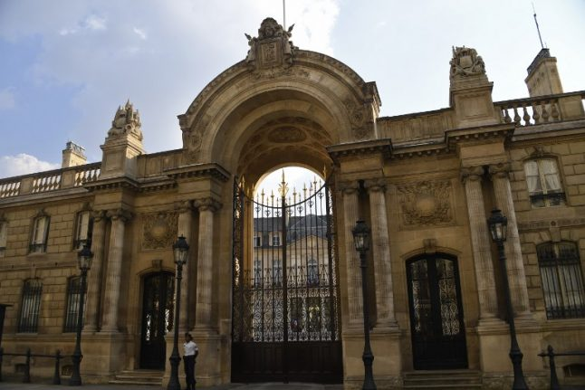 French police arrest teenager over 'plot to attack Elysées Palace'