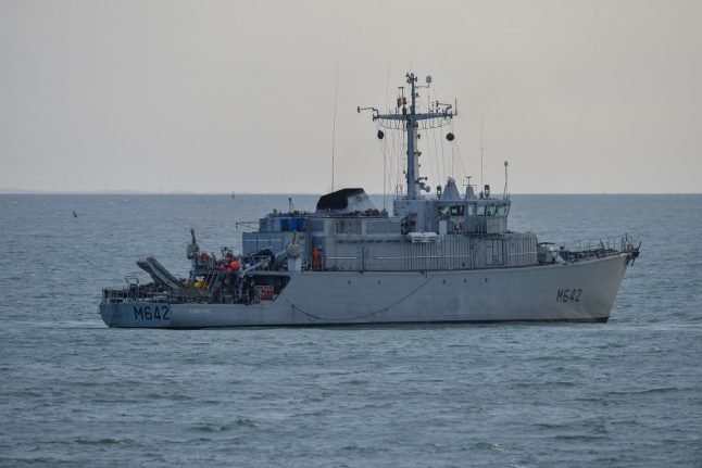 French coast guard stops nine migrants heading to UK in small boat