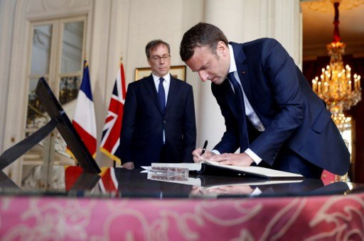 Brits in France urged to share their carte de séjour problems