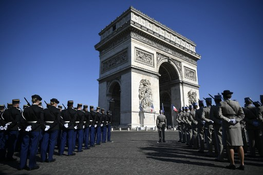 'Yellow vests' to be barred from Paris sites during VE Day commemorations