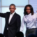Obama family arrives in Avignon for French holiday