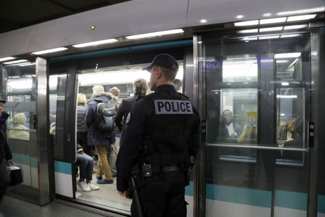 Paris Metro starts clean-up scheme for polluted air in stations