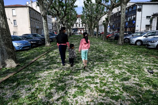 What does a state of 'natural disaster' mean in France?