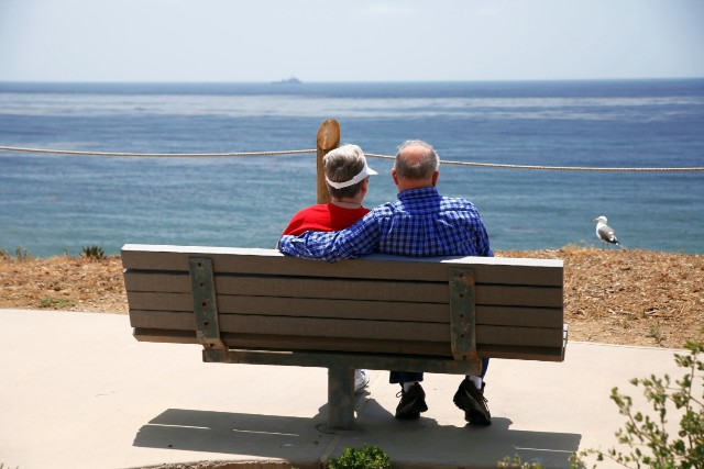 Australians planning to retire to France warned over little-known pension trap