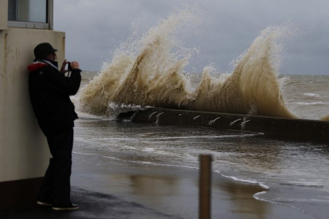 Storm Miguel: More weather warnings as western France braces for 130km/h winds