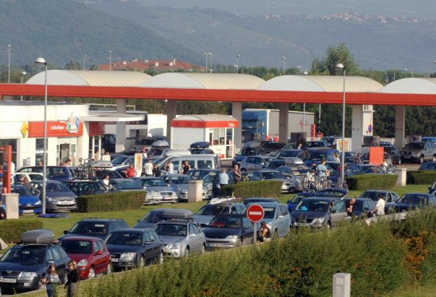 Drivers in France warned after highway thieves target British motorists