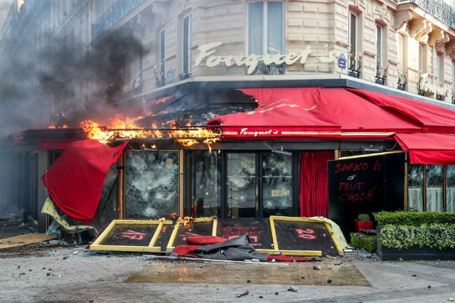 Feted Paris bistro trashed by yellow vests to reopen