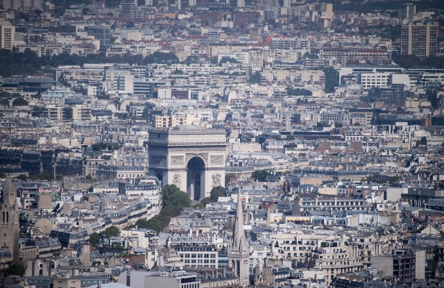 Scientists explain the 'heat sink' effect that makes Paris feel like an oven