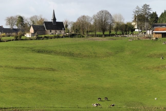 'Enter at your own risk': Mayor of French village warns holidaymakers about rural sounds