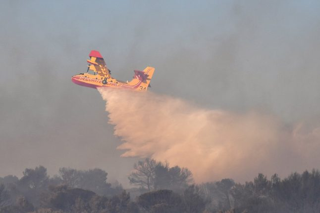 Firefighting pilot dies in plane crash in southern France