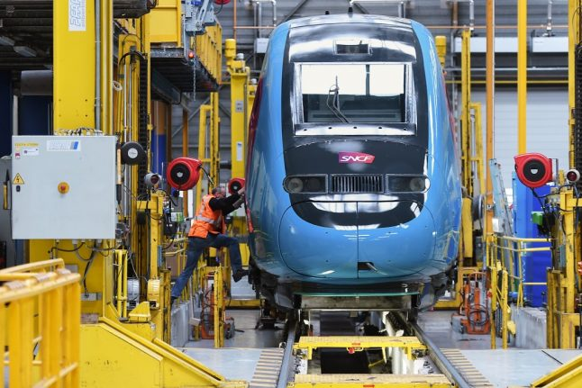 French trains to go green with order for hydrogen engines