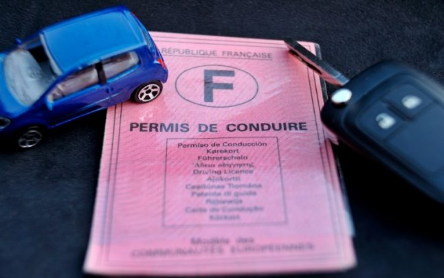 Can you really drive on an expired photocard licence in France?