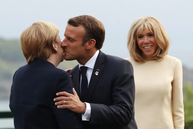 La bise: Who to kiss in France, how many times and on which cheek