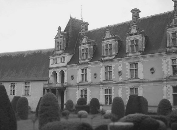 Halloween: The ghost stories from France's most haunted chateaux