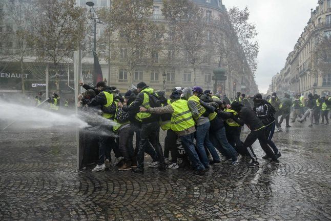 French yellow vests hold national assembly to debate 'future of the movement'