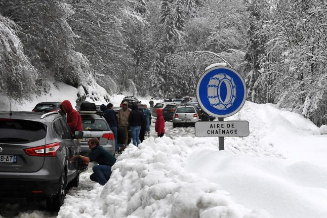 Winter tyres and snow chains: What are the rules in France?