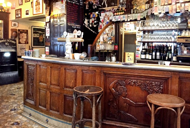 'Soul of the community' - The fight to save the Paris café
