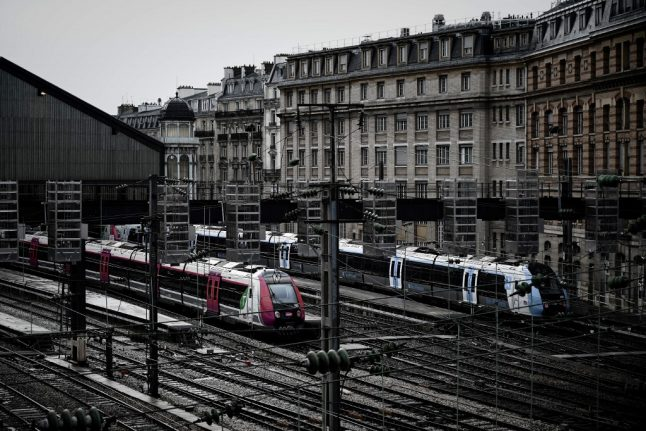 Paris set to be badly hit on Sunday as strike transport disruption continues