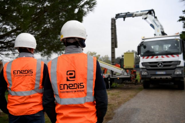 Storms leave 220,000 homes without electricity in south west France