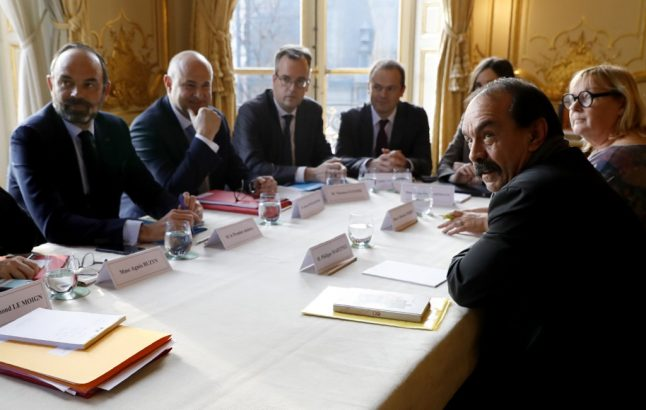 What is the chance of a deal between the French government and striking workers?