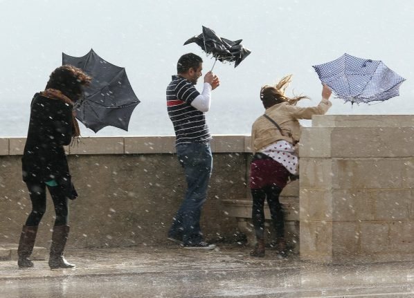Central and southern France placed on alert for 100km/h winds and flooding