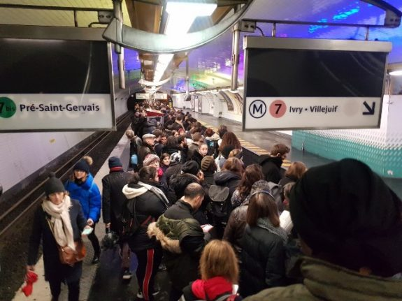 IN PICTURES: Black Monday of transport chaos in Paris