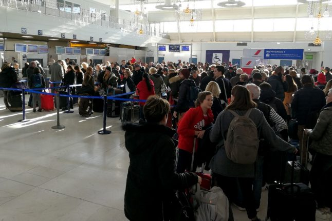 French air crews cancel plans for January strike
