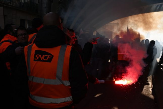 With no Christmas truce, transport strikes continue across France on Monday