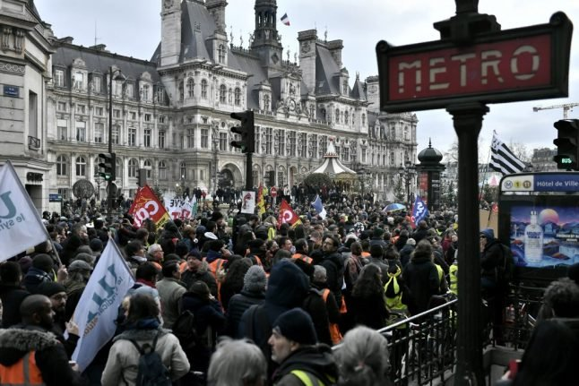 New Year's Eve transport services in France hit by strike action