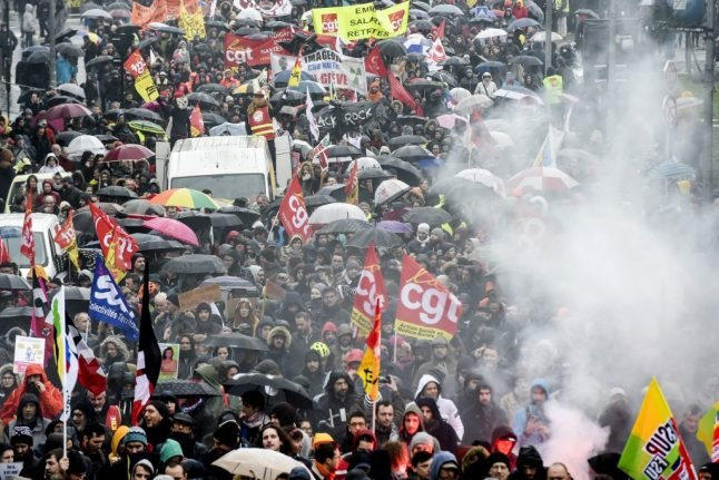 Paris set for weekend of protests and travel disruption as talks fail to break pension deadlock