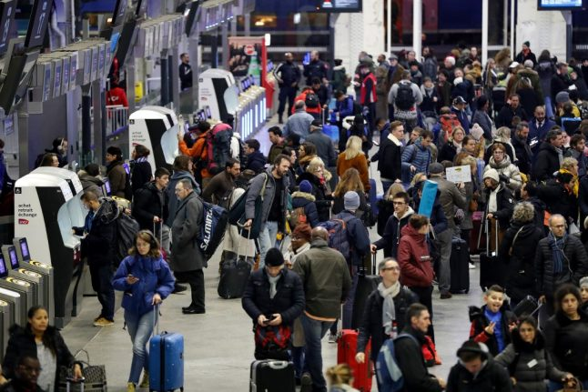 Strikes in France: Transport disruption continues on Tuesday as talks resume