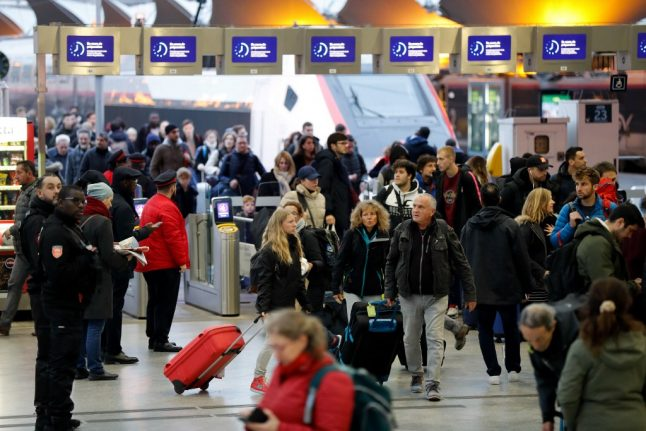 Strikes in France cause more travel misery on Monday