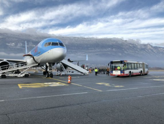1,000 tourists stranded in French Alps after flights cancelled