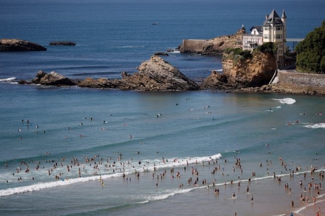 Temperatures peak at 27C in southern France in February record