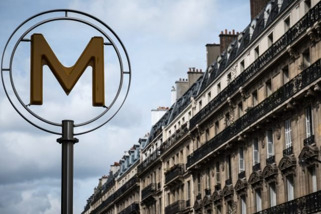 Man killed after accidentally falling onto Paris Metro track