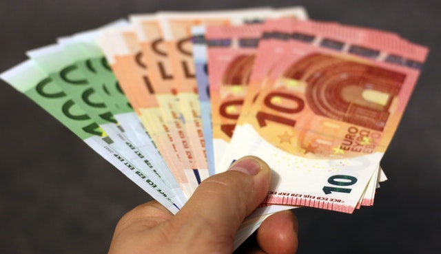 Ten easy and affordable options for sending money abroad
