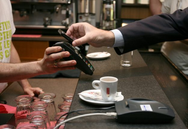 France increases contactless payments limit to €50