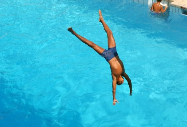 Swimming pools set to reopen in France - with strict hygiene rules