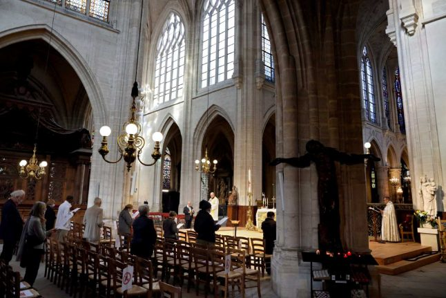 Coronavirus: Churches, mosques and synagogues reopen across France
