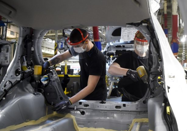 French industrial output plunges by 16 percent in March