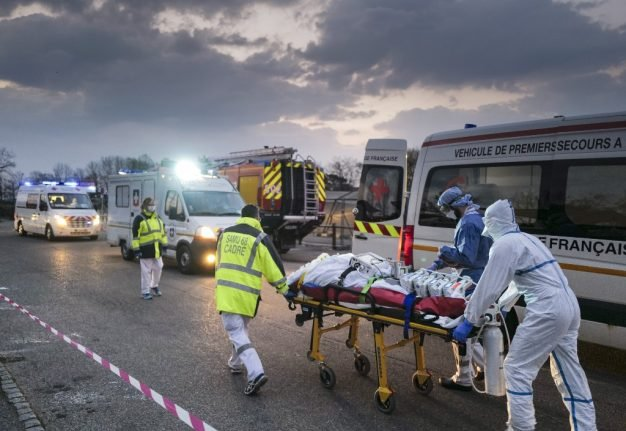 France's Covid-19 deaths fall as intensive care cases dip under 3,000