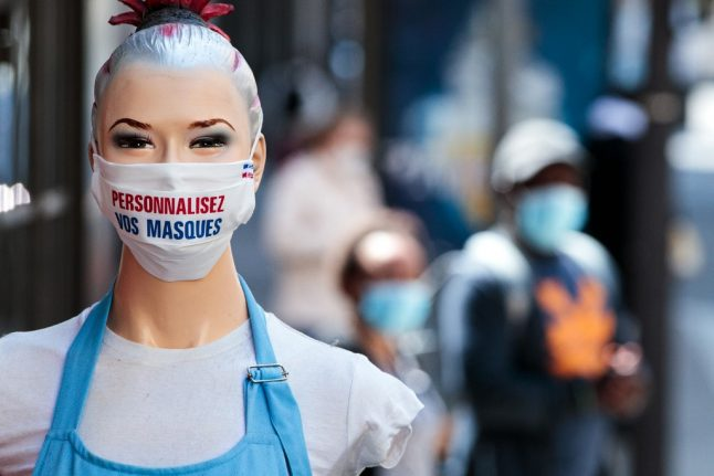 What are the rules on wearing a mask in France?
