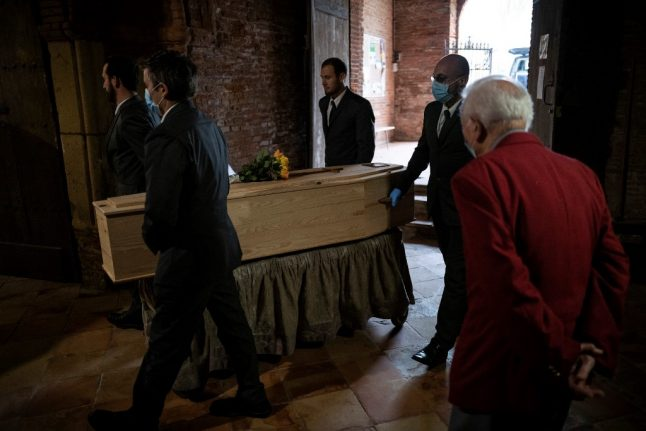 France lifts its limit of 20 mourners at funerals