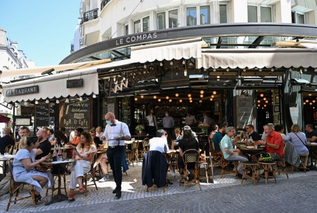 'It's amazing' – French rejoice as bars and restaurants reopen