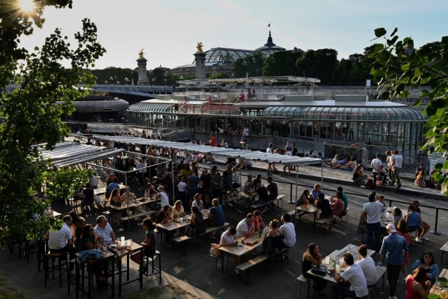 Paris bars, restaurants and pools to reopen fully as region moves to 'green zone'