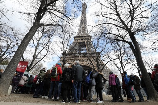 The strict health rules for visiting Paris' Eiffel Tower and Louvre this summer