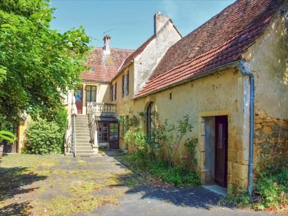 French property of the week: 19th century stone house in the Lot (in need of some TLC)