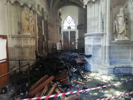 Nantes cathedral fire: Man released in arson probe
