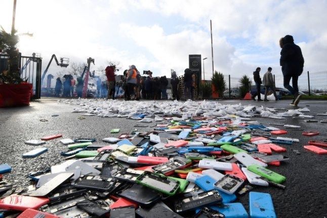 Free mobile phone recycling scheme launched in France